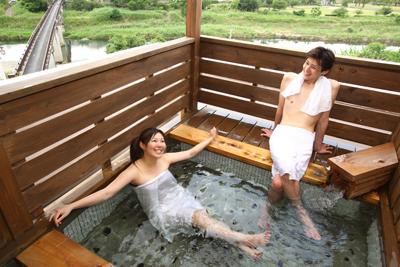 屋上の混浴貸切露天風呂60分無料