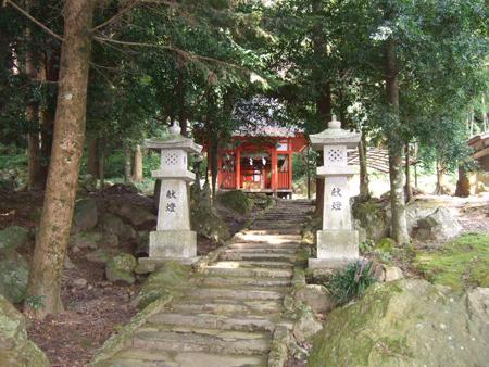 石体(せきたい)神社