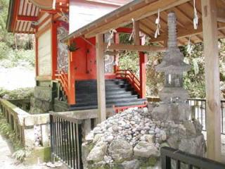 石體神社本殿