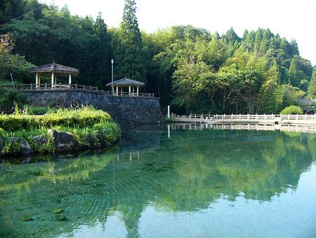 霧島観光案内おすすめスポット「丸池湧水」