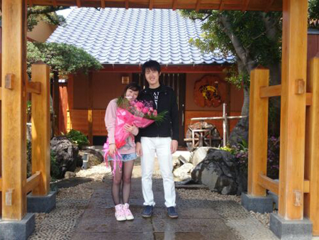 兵庫県よりカップル温泉旅行で露天風呂付き客室に宿泊