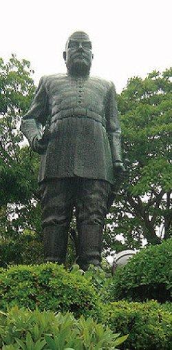 偉人も愛した《 鹿児島温泉最古の日当山温泉郷 》 西郷隆盛銅像